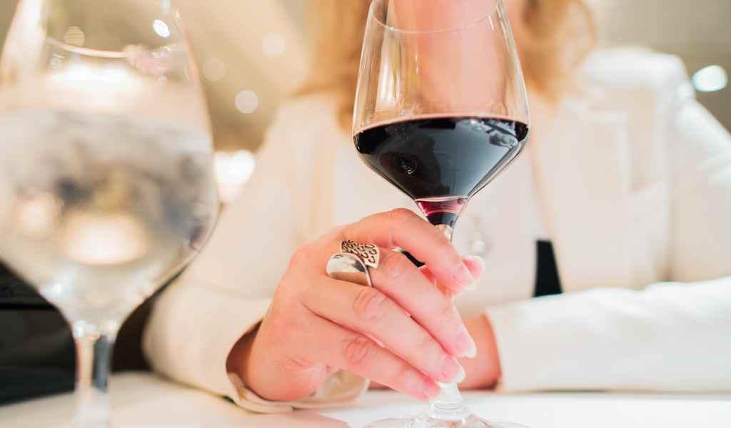 Лечение женского алкоголизма в Краснозаводске анонимно
